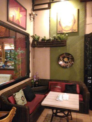 Foto 5 - Interior di Cali Deli oleh Renodaneswara @caesarinodswr