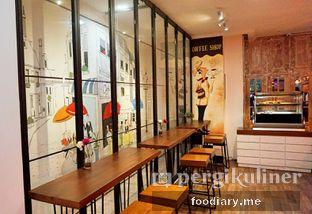 Foto 2 - Interior di Neighborhood Coffee oleh @foodiaryme | Khey & Farhan
