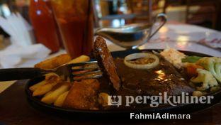 Foto - Makanan(Grilled Tenderloin Premium) di Boncafe oleh Fahmi Adimara