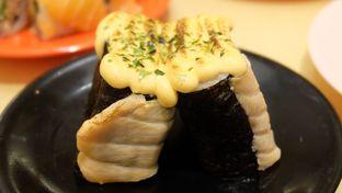 Foto 2 - Makanan(Fuji Roll) di Sushi Tei oleh Icha &  Chandra