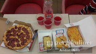 Foto - Makanan di Domino's Pizza oleh AndaraNila