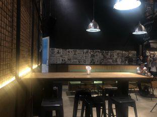 Foto 9 - Interior di Lawless Burgerbar oleh feedthecat