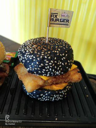 Foto 3 - Makanan(Black Fish) di FIX Burger oleh Inno vhieya