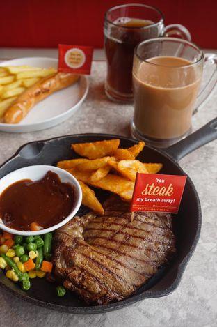 Foto 8 - Makanan di Steak Hotel by Holycow! oleh yudistira ishak abrar