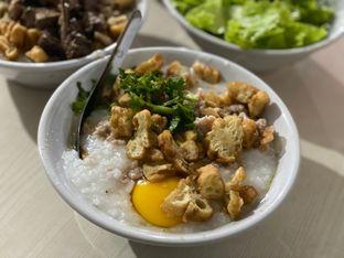Foto 2 - Makanan di Bubur Ayam Spesial Ko Iyo oleh Riani Rin