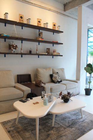 Foto review Living-Room Coffeehouse oleh Prido ZH 6