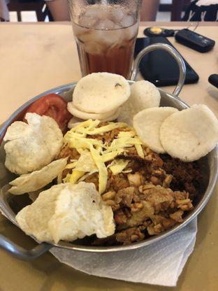 Foto 2 - Makanan di Bon Ami Restaurant & Bakery oleh Nanakoot