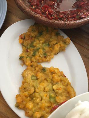 Foto 5 - Makanan di RM Ibu Haji Cijantung oleh Yuni