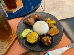 Foto 3 - Makanan di Monsoon Cafe oleh feedthecat