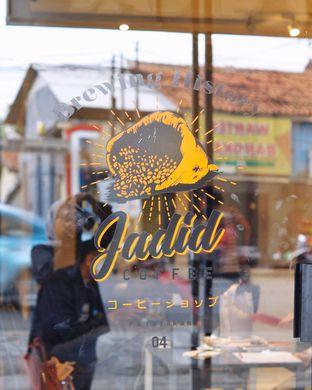 Foto 6 - Eksterior di Jadid Coffee oleh @kulineran_aja