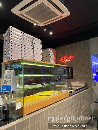Foto 6 - Interior di Sliced Pizzeria oleh Francine Alexandra