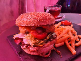 Foto 2 - Makanan di Dope Burger & Co. oleh imanuel arnold