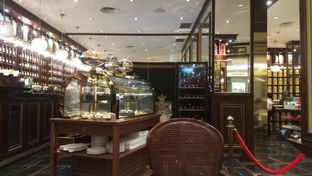 Foto 7 - Interior di TWG Tea Salon & Boutique oleh Renodaneswara @caesarinodswr
