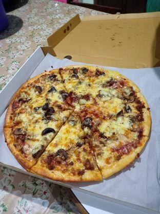Foto 2 - Makanan(Western Favorite) di Pizza Romas & Coffee oleh Florentine Lin
