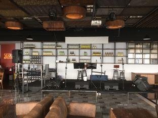 Foto 2 - Interior di Scenic 180° (Restaurant, Bar & Lounge) oleh Duolaparr