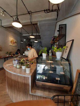 Foto 6 - Interior di Emmetropia Coffee oleh Geraldi Edward