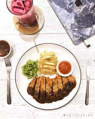 Foto 5 - Makanan(Beef Schnitzel Jaeger Sauce) di Kopium Artisan Coffee oleh Ngiler Parah @ngilerparah