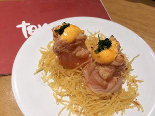 Foto 15 - Makanan(Spicy Hana Salmon) di Tom Sushi oleh Irine