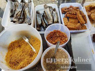 Foto 2 - Makanan di Nasi Ulam Garuda Ibu Juju oleh Asiong Lie @makanajadah
