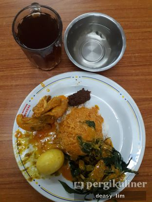 Foto 3 - Makanan di RM Sederhana Padang oleh Deasy Lim