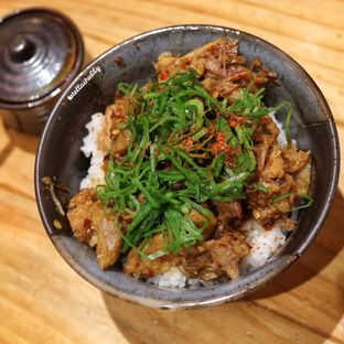 Foto 3 - Makanan(Spicy char su don) di Menya Sakura oleh Stellachubby