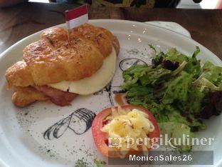 Foto 25 - Makanan(Bakers ham & cheese ) di Baker Street oleh Monica Sales
