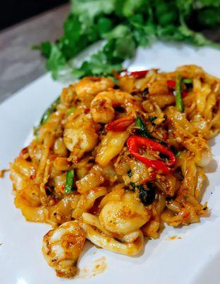 Foto 16 - Makanan di Waroeng 88 oleh Astrid Huang | @biteandbrew