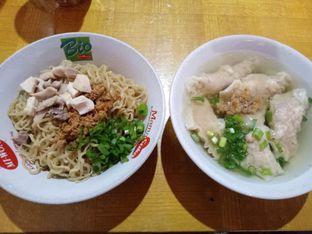 Foto 2 - Makanan di Bakmi Anton oleh Fuji Fufyu