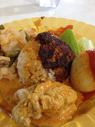 Foto - Makanan(Ramesan + Telor Balado + Gulai Otak) di Pondok Djaja oleh awakmutukangmakan