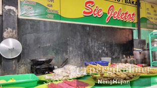 Foto 1 - Interior(Rumah Makan Sie Jeletot) di Ayam Goreng & Ayam Bakar Sie Jeletot oleh Pecandukuliner | IG: @Pecandukuliner