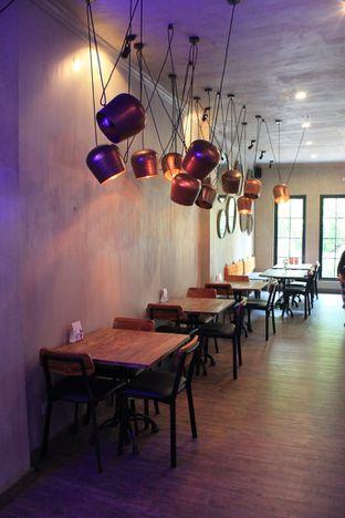 Foto 9 - Interior di Burns Cafe oleh Prido ZH