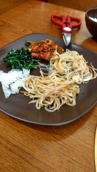 Foto 6 - Makanan(kimchi) di Kintan Buffet oleh Renodaneswara @caesarinodswr