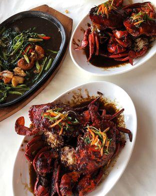 Foto 3 - Makanan(Kepiting mentega hitam - Kangkung hotplate) di Kepiting Cak Gundul 1992 oleh Claudia @grownnotborn.id