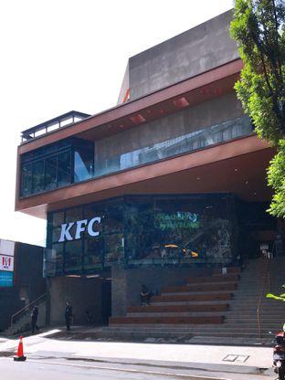 Foto 5 - Eksterior di KFC Naughty by Nature oleh yudistira ishak abrar