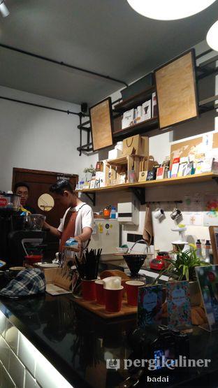 Foto 1 - Interior di Ruang Temu Coffee & Eatery oleh Winata Arafad
