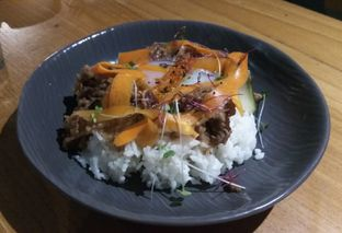 Foto 1 - Makanan(Home Gyudon (IDR 68k) ) di Gordi oleh Renodaneswara @caesarinodswr