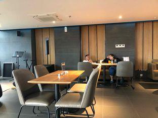 Foto 12 - Interior di Gion Japanese Grill & Chill oleh Budi Lee