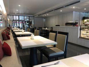Foto 6 - Interior di Cafe Gratify oleh @eatfoodtravel
