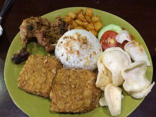 Foto 1 - Makanan(Nasi Ayam Serundeng) di Street Food Festival oleh Elvira Sutanto