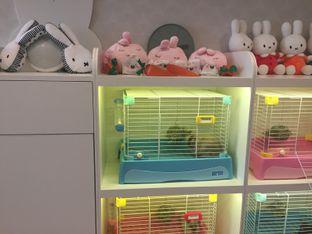Foto 5 - Interior di MyBunBun Rabbit Cafe oleh Theodora