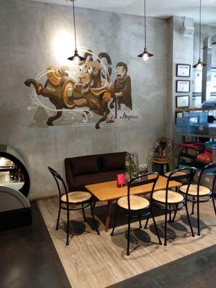 Foto 7 - Interior di Gerilya Coffee and Roastery oleh Ika Nurhayati