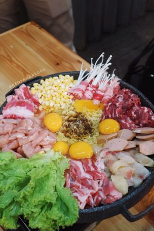 Foto 3 - Makanan di Babakaran Street oleh vionna novani