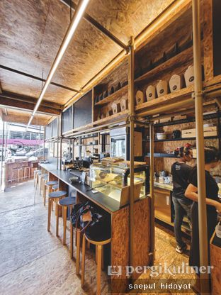 Foto 8 - Interior di Kedai BuruBuru Bakmi dan Kopi oleh Saepul Hidayat