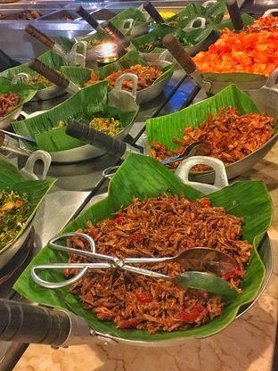 Foto 9 - Makanan(Aneka Sayur ) di Alas Daun oleh Fadhlur Rohman