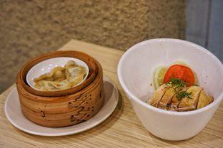 Foto 1 - Makanan(Singapore Hainanese Chicken Ricebowl & Gyoza) di Rice Bowl Mini oleh Fadhlur Rohman