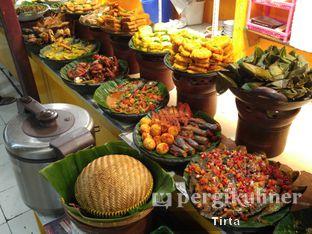 Foto 3 - Makanan di Sunda Prasmanan Cikajang oleh Tirta Lie