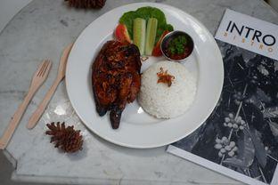 Foto 8 - Makanan di Intro Jazz Bistro & Cafe oleh Deasy Lim