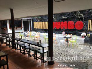 Foto 6 - Interior di Jumbo Eatery oleh Desy Mustika