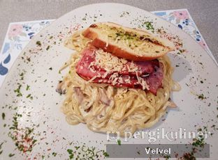 Foto - Makanan(Ramen Carbonara) di MONKS oleh Velvel