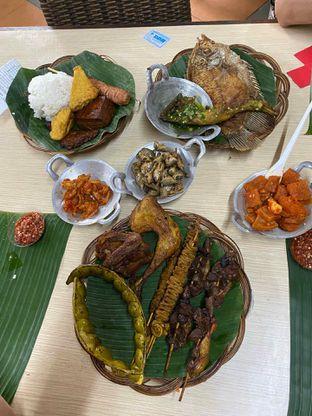 Foto 5 - Makanan di Alas Daun oleh Riani Rin